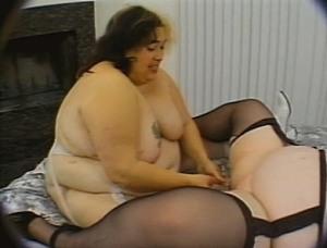 mooie naakte lesbische vrouwen lekker dik wijf neuken